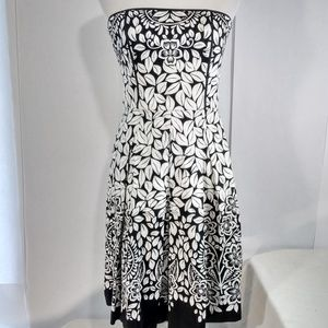 WHITE HOUSE BLACK MARKET Strapless Dress Size 2